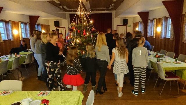Julefest i kirken og forsamlingshuset